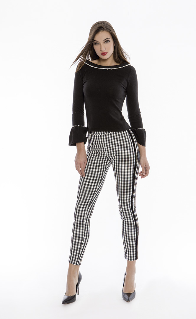 Trousers 4180552 | Sweater 4180731