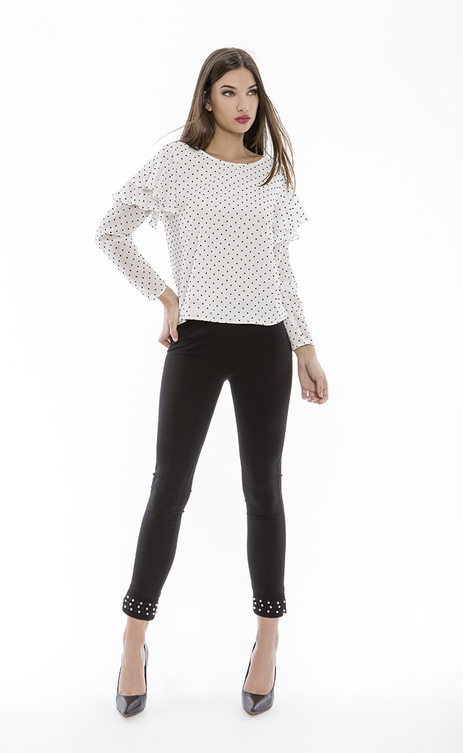 Blouse 4180568 | Trousers 4180726