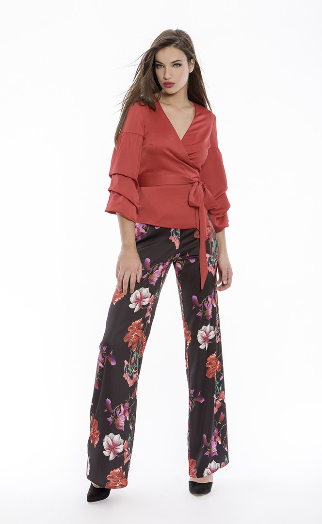 Blouse 4180569 | Trousers 4180728