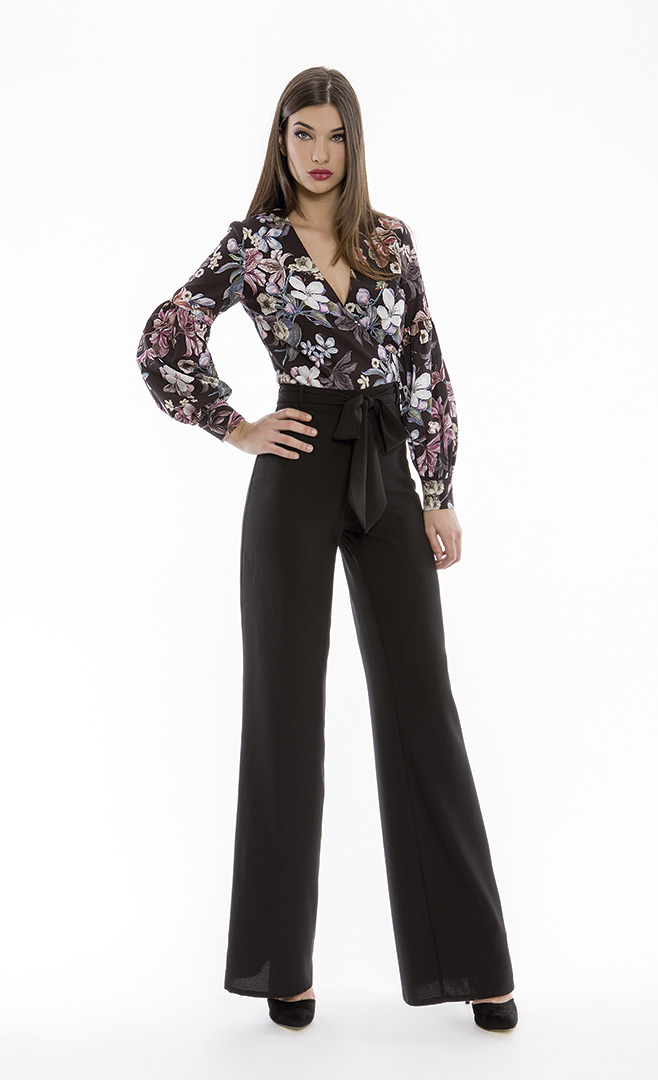 Blouse 4180579 | Trousers 4180734