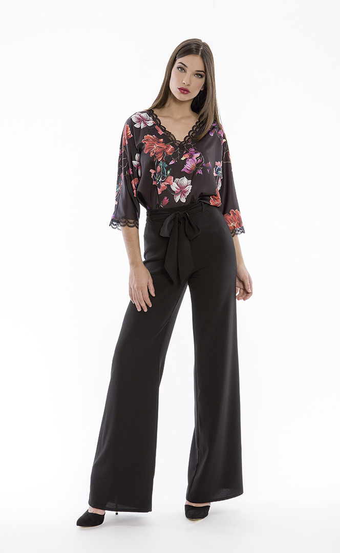 Blouse 4180580 | Trousers 4180734