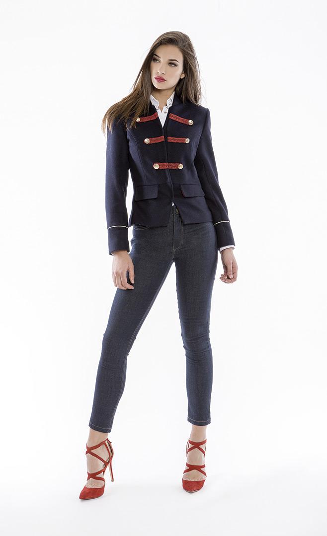 Jacket 4180655 | Shirt 4180583 | Jeans 4180738