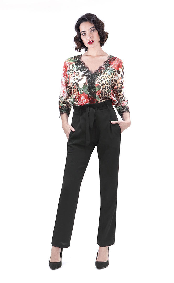 Blouse 4190559 | Trousers 4190728