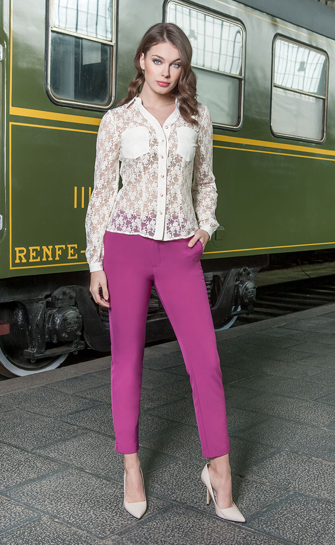 Blouse 4190535 | Trousers 4190730