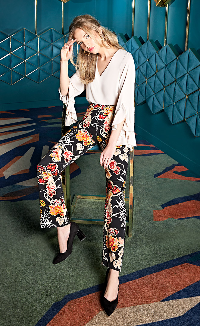 Blouse 4200563 | Trousers 4200745