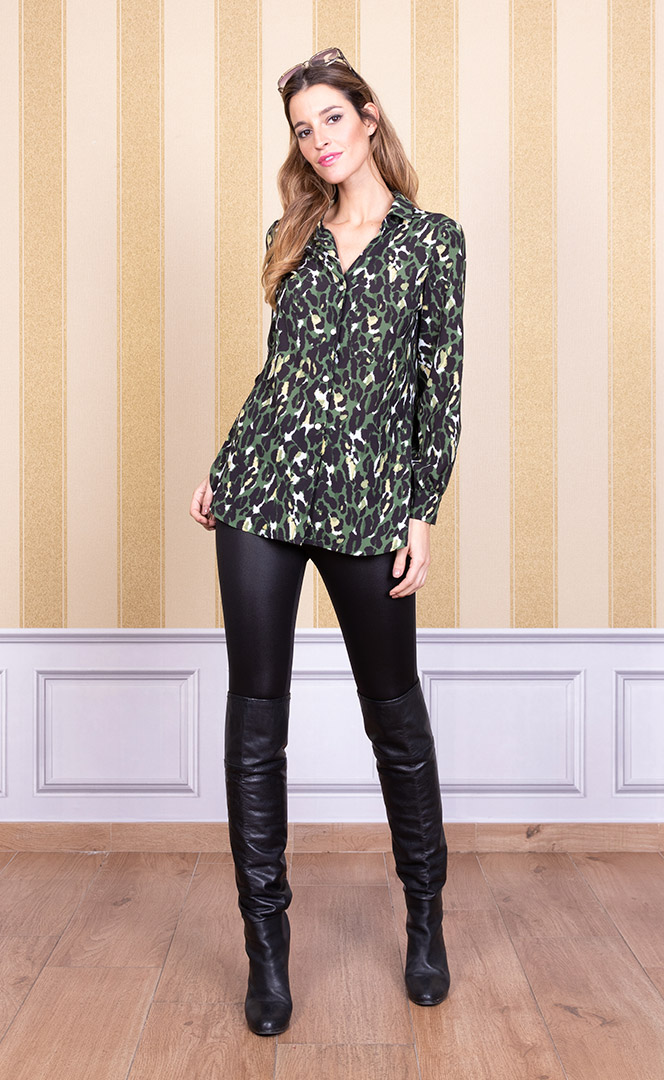 Blouse 4200569 | Trousers 4200736