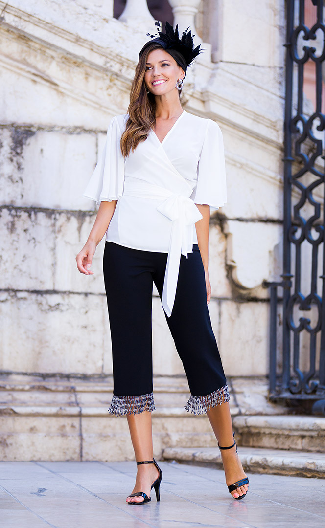 Blouse 3210560 | Trousers 3210700